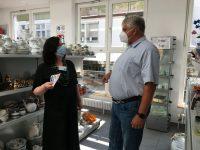 Markus Grübel zu Besuch im Sozialkaufhaus